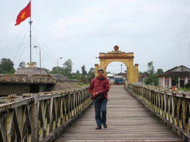 REHolidayVietnam2011-271_zps378695cf.
