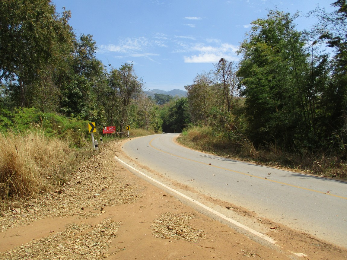 Route-1175-Mae-Ramat-Noi-to-1107 (1).JPG
