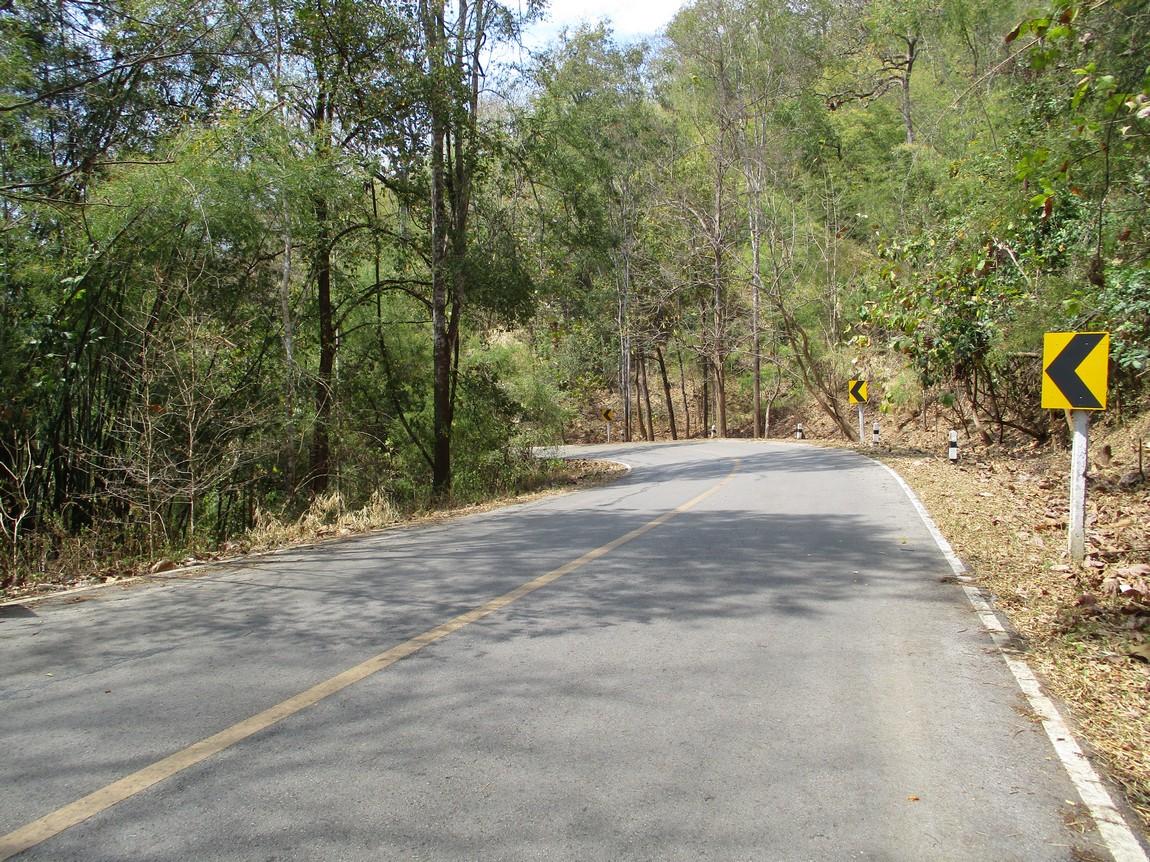 Route-1175-Mae-Ramat-Noi-to-1107 (19).JPG