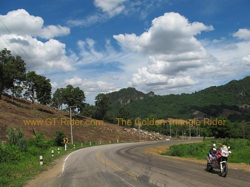 route-2331-the-phu-hin-rongkla-road-001.