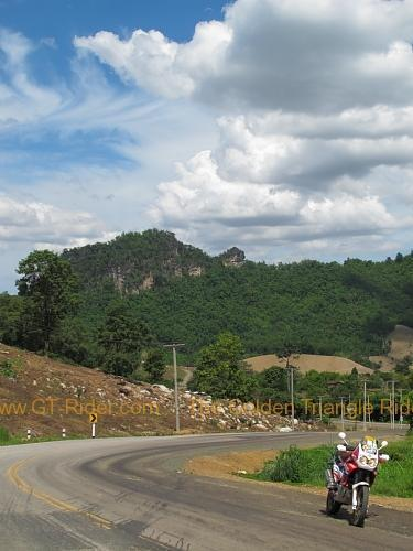 route-2331-the-phu-hin-rongkla-road-002.