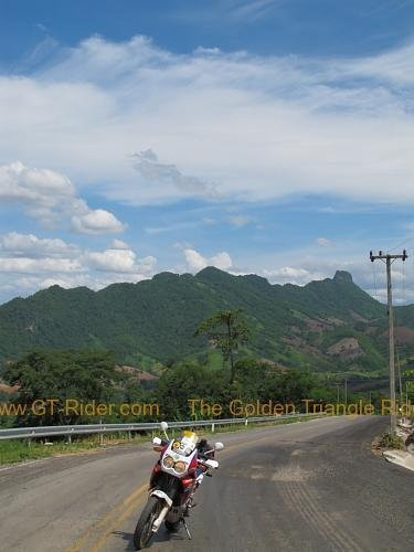 route-2331-the-phu-hin-rongkla-road-003.