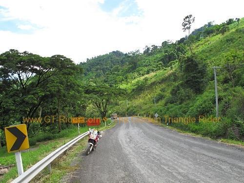 route-2331-the-phu-hin-rongkla-road-005.