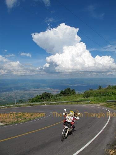 route-2331-the-phu-hin-rongkla-road-009.