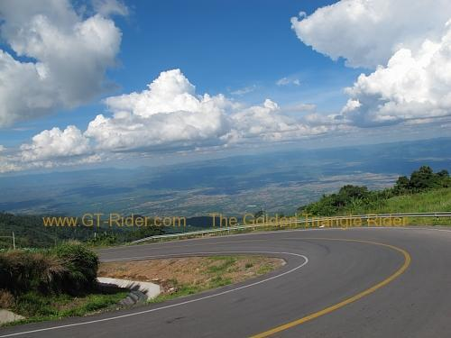 route-2331-the-phu-hin-rongkla-road-012.