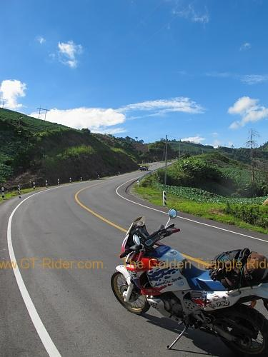 route-2331-the-phu-hin-rongkla-road-013.
