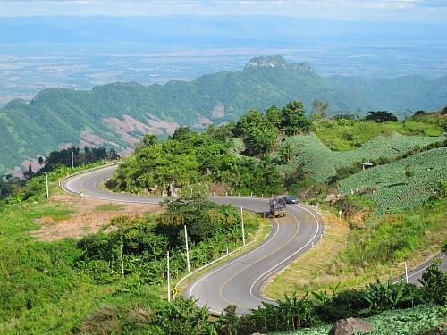 route-2331-the-phu-hin-rongkla-road-030.