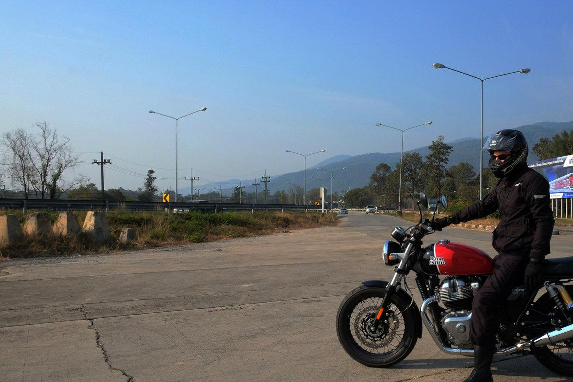 Royal_Enfield_Interceptor_650_James_Patrick_Assero_Chiang_Mai.