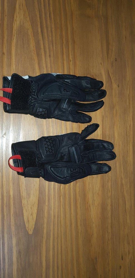 sand 3 glove 2.