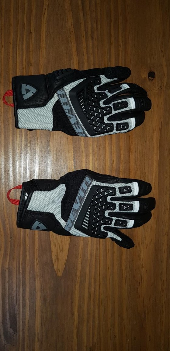sand 3 glove.
