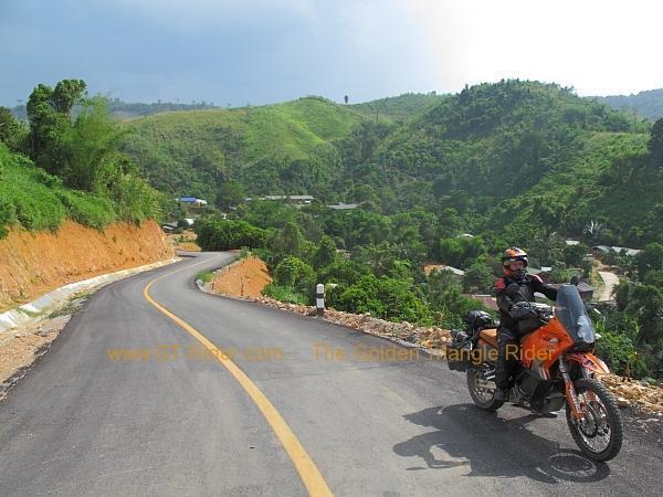 santhiphab-road-nan-001.