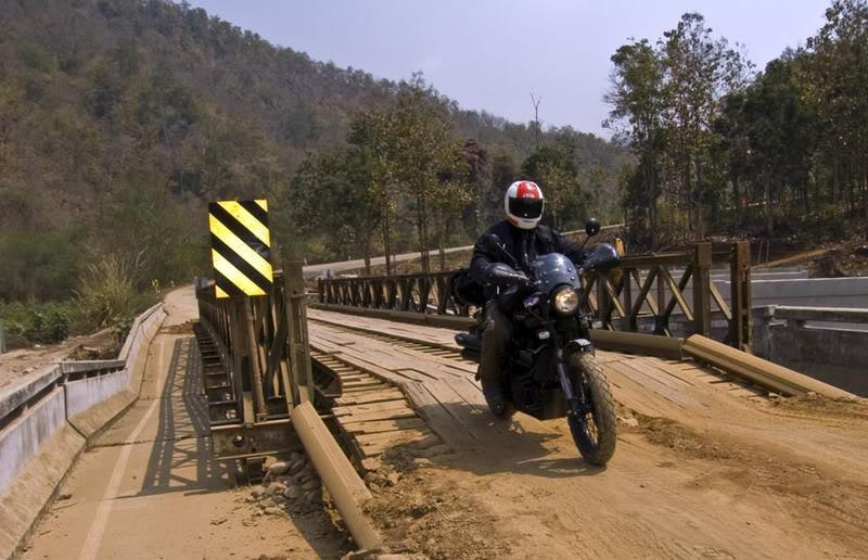 ScramBridge2LR.jpg /Mae Sot Loop  on to Umphang/Touring Northern Thailand - Trip Reports Forum/  - Image by: