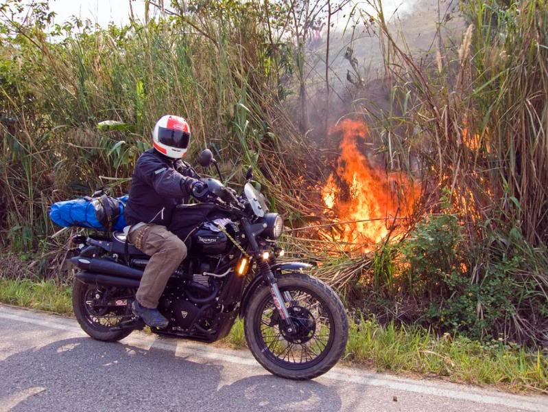 ScramFire2LR.jpg /Mae Sot Loop  on to Umphang/Touring Northern Thailand - Trip Reports Forum/  - Image by: