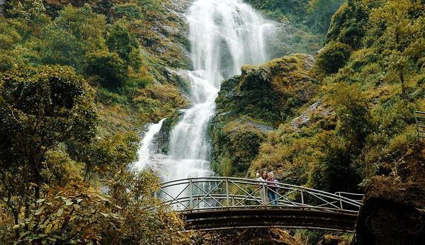 SilverWater.jpg in Vietnam - The 10 Best Waterfalls from  DavidFL at GT-Rider Motorcycle Forums