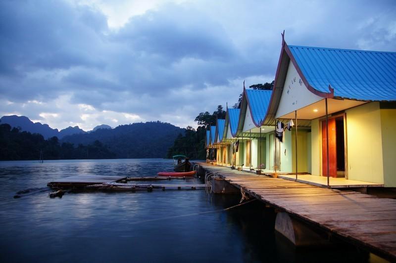 smiley-lake-house-khao-sok-thumb.