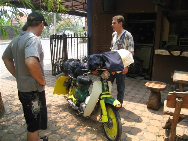 Songkran001.jpg /Songkran day, the gt riders way/Northern Thailand - General Discussion Forum/  - Image by: