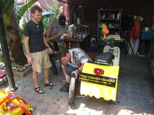 Songkran004.jpg /Songkran day, the gt riders way/Northern Thailand - General Discussion Forum/  - Image by: