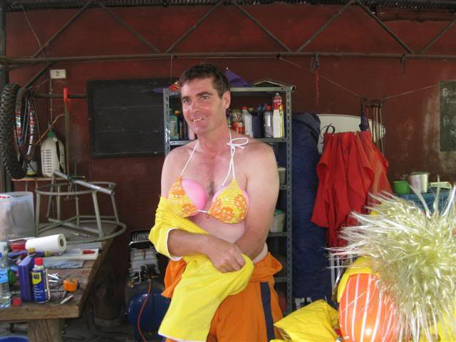 Songkran015.jpg /Songkran day, the gt riders way/Northern Thailand - General Discussion Forum/  - Image by: