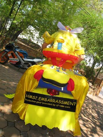 Songkran024.jpg /Songkran day, the gt riders way/Northern Thailand - General Discussion Forum/  - Image by: