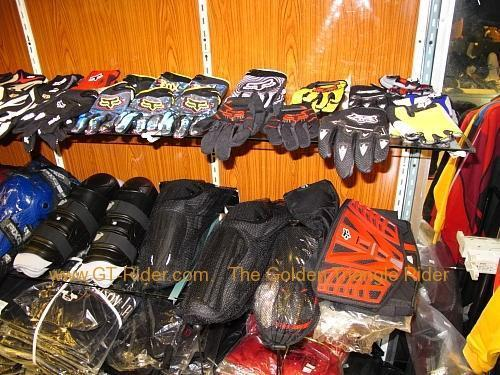 tachilkek-motorcycle-shop-003.jpg /Dainese  Alpine star riding gear in Tachilek/Northern Thailand - General Discussion Forum/  - Image by: