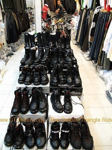 tachilkek-motorcycle-shop-004.jpg /Dainese  Alpine star riding gear in Tachilek/Northern Thailand - General Discussion Forum/  - Image by: