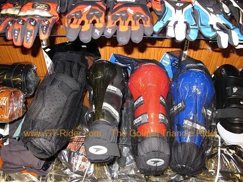 tachilkek-motorcycle-shop-008.jpg /Dainese  Alpine star riding gear in Tachilek/Northern Thailand - General Discussion Forum/  - Image by: