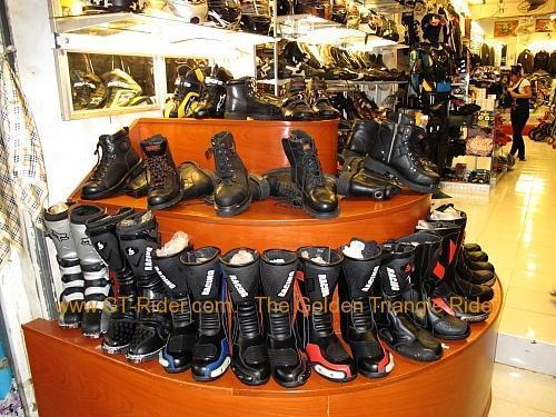 tachilkek-motorcycle-shop-011.