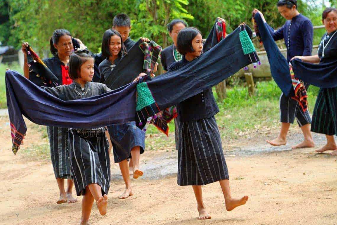 Tai-Dam-Tribe-People-Thailand-03.jpg