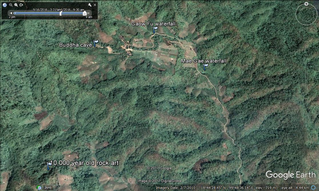 Tham PaThai Google earth.