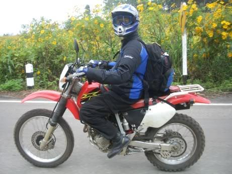 TJMHS-CM070.jpg /Carrying Luggage on hire bike ER6N/D-Tracker/Touring Northern Thailand - Trip Reports Forum/  - Image by: