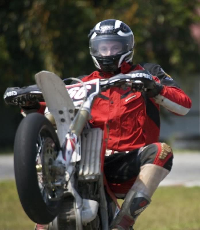 Wheelie2LR.jpg