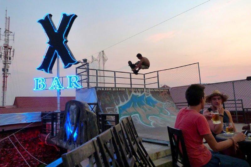 x-bar-siem-reap-01.