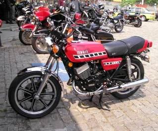 Yamaha-RD400-77.