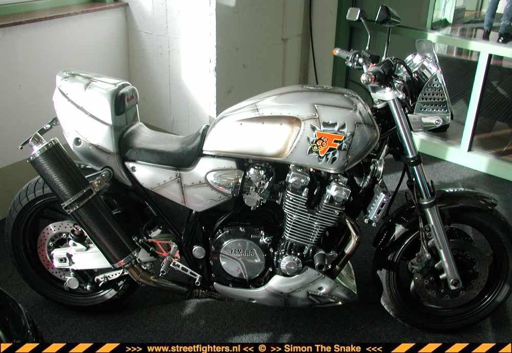 yamxjr01-rheinb2002.